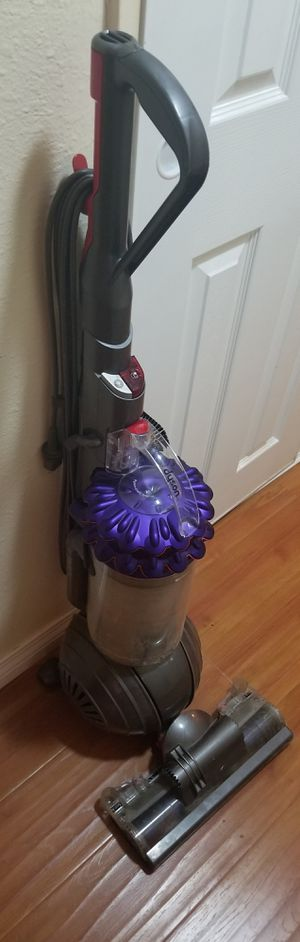 Dyson Big ball Vacuum for Sale in El Cajon, CA