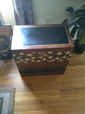 Chest box for Sale in Fort Myers, FL