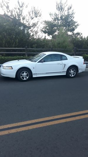 2000 ford mustang v6 *needs repair for Sale in Chula Vista, CA