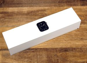 Brand new Apple Watch 5 44mm for Sale in Haines City, FL