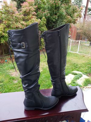 NEW Women's boots size 6.5 for Sale in Everett, WA