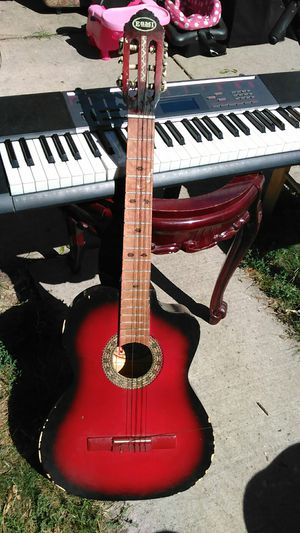 Keyboard Casio and guitar both for $50 keybord works perfect for Sale in Chicago, IL