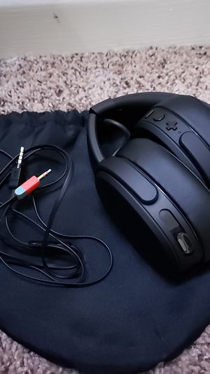 Skullcandy Crusher Headphones for Sale in Hartford, WI