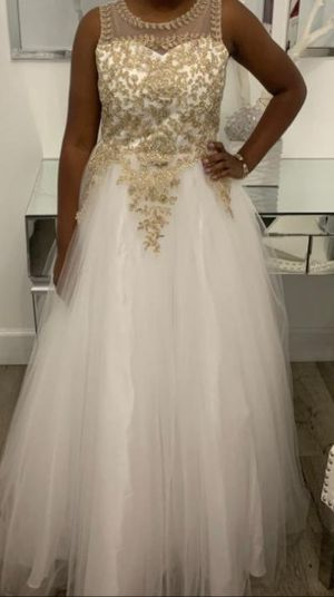 Cinderella couture girls dress for Sale in Miami Gardens, FL