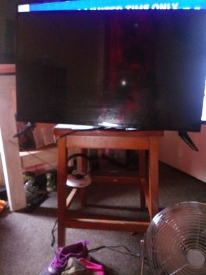 32 inch sharp led lcd tv for Sale in Elkhart, IN
