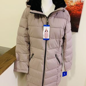Women Winter Coat Size Large Brand New for Sale in Laurel, MD