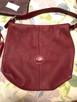 Burgundy Dooney and Bourne purse for Sale in Portsmouth, VA
