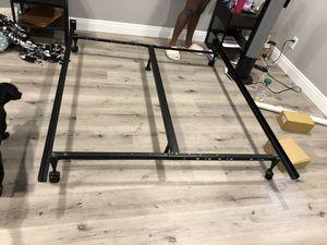 Queen metal bed frame for Sale in Pasadena, CA