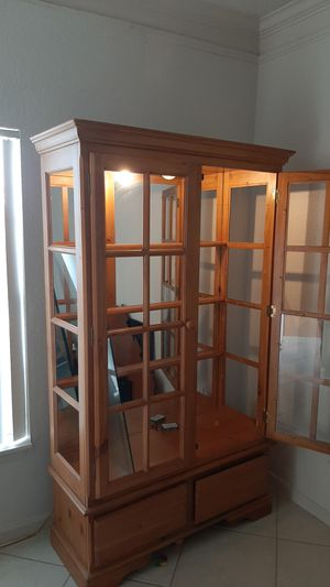 FREE - Wood & Glass China Cabinet for Sale in TWN N CNTRY, FL