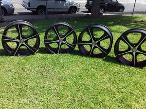Scarlet Luxury Alloy Rims for Sale in Montclair, CA