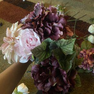 Purple Flowers Wedding Flowers Garland for Sale in Riverview, FL