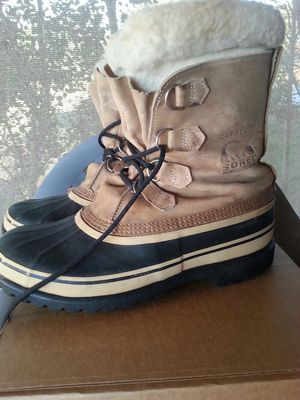 Men's sorel caribou snow boots. Size 11. Wore very little. for Sale in Show Low, AZ