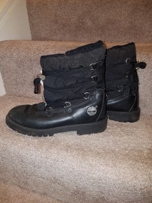 Timberland boots, size 4.5 big girls for Sale in Cincinnati, OH