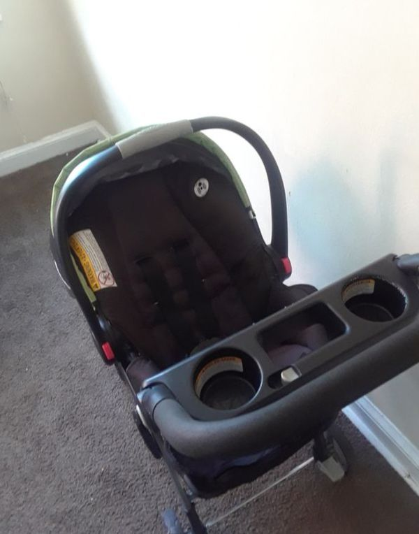 Rarely Used Graco Snag&Go Stroller w/carseat