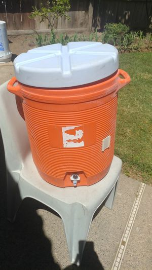 10 Gallon Drink Cooler for Sale in Fresno, CA