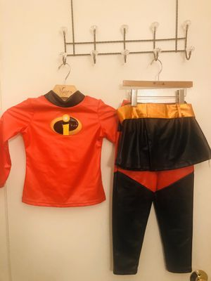Incredible violet costume size 4 for Sale in Hayward, CA