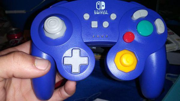 wireless Nintendo switch controller. OG gamecube design