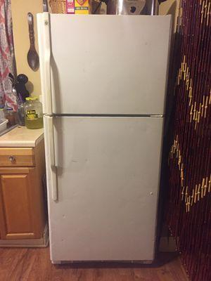 GE refrigerator for Sale in Winston-Salem, NC
