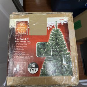 5 FT PRELIT ARTIFICIAL CHRISTMAS TREE!!!! $20!!!!!! for Sale in Rockville, MD