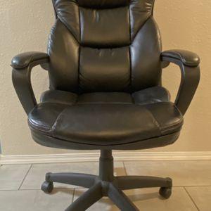 """Desk Chair ( L 26.5"""" X W 24"""" X H 46.5"""" ) for Sale in Tacoma, WA"""
