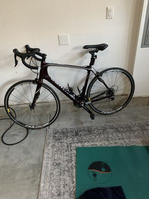Women's 57 cm Specialized Road Bike for Sale in Bellevue, WA