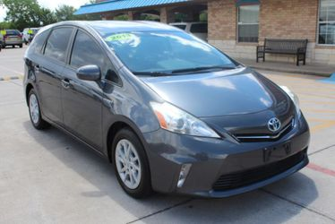 2013 Toyota Prius V for Sale in Grand Prairie,  TX