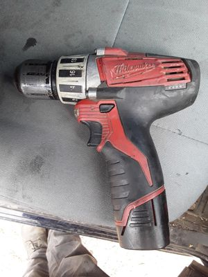 Milwaukee m12 drill and m12 battery for Sale in Tempe, AZ
