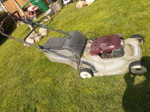 Honda self propelled lawnmower lawn mower for Sale in Delhi, CA