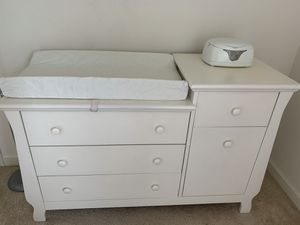 Baby dresser with changing table for Sale in Beltsville, MD
