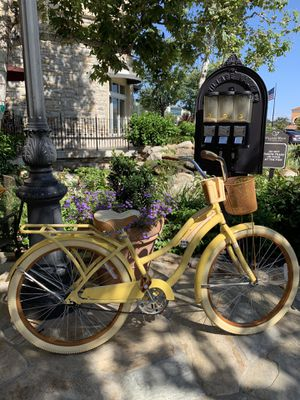"New beautiful yellow beach 🏖 cruiser deluxe 26"" women's ladies girls bicycle bike for Sale in Chula Vista, CA"