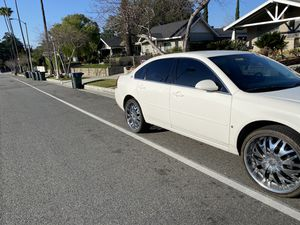 "2007 Chevy impala .....BRAND NEW TIRES 22"" rims .. 2020 parts !! for Sale in Pasadena, CA"