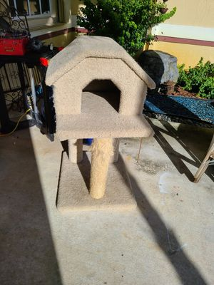 Cat tower for Sale in Hollywood, FL
