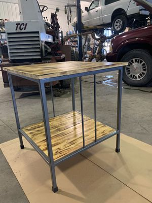 Custom End Table for Sale in Fort Dodge, IA
