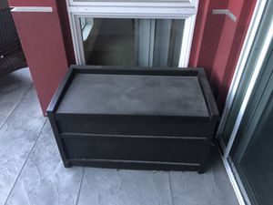 Outdoor storage box from Home Depot for Sale in Los Angeles, CA