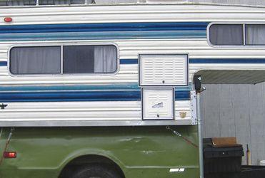 Truckbed Camper for Sale in Wichita,  KS