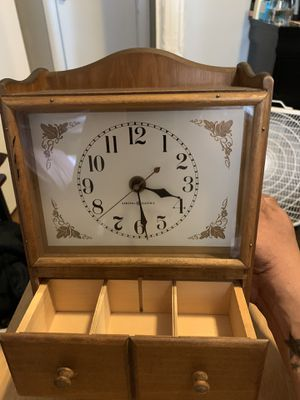 VINTAGE General Electric clock for Sale in The Bronx, NY