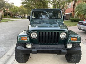 2000 JEEP WRANGLER SAHARA EDITION CLEAN TITLE for Sale in Miramar, FL