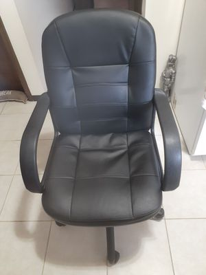 computer chair for Sale in Erie, PA