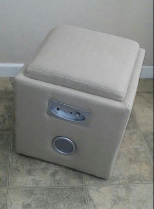 Ottoman with bluetooth audio for Sale in Fresno, CA