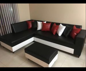 Leather couch sectional sofa for Sale in Virginia Gardens, FL