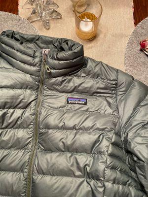 Patagonia Down Sweater Coat, Large, Pesto for Sale in Cincinnati, OH