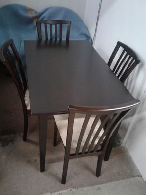 CLEARANCE SALE: Beautiful, NEW 5 piece, hard wood dinette set with comfortable, padded chairs. Was $299 now $250 for Sale in Miami Gardens, FL