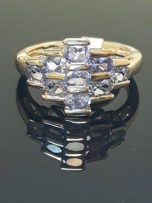 14k yellow gold tanzanite ring 3.9 grams 7 grams for Sale in Fort Pierce, FL