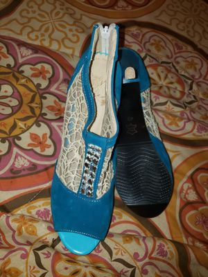 Nice suede & lace medium heel shoes size 8.5 to 9 for Sale in Baltimore, MD