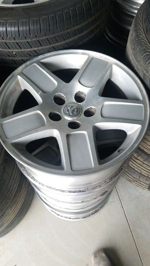 2008 dodge charger rims for Sale in Fresno, CA