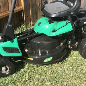 tractor para la yarda for Sale in Katy, TX