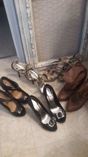 Woman shoes size. 7.5 and 8. All in good condition. Brand items included for Sale in Reedley, CA