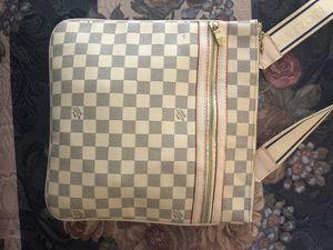 LOUIS VUITTON BAG white for Sale in Auburn, WA