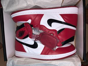 Jordan Chicago 1's size 9 (offer price) for Sale in Springfield, MA