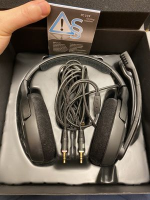 PC37X gaming headset with mic for Sale in Wheeling, IL